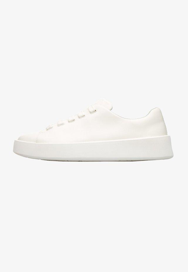COURB K201175-004  - Sneakers laag - weiß