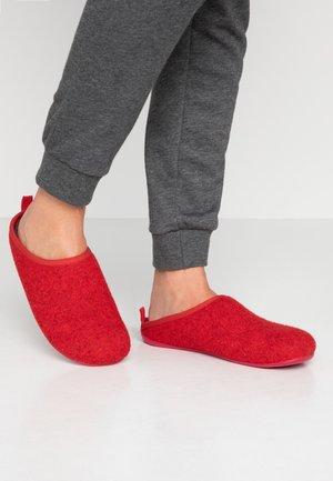 WABI - Pantuflas - medium red