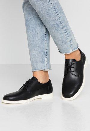 JUDDIE - Zapatos de vestir - black