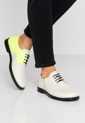 TWINS - Zapatos de vestir - light beige