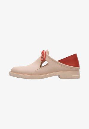 Zapatos con cordones - nude