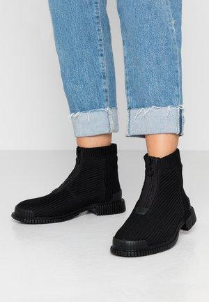 PIX - Støvletter - black
