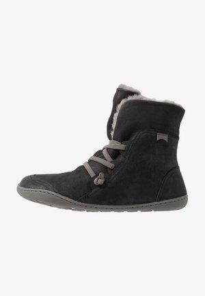PEU CAMI - Veterboots - black