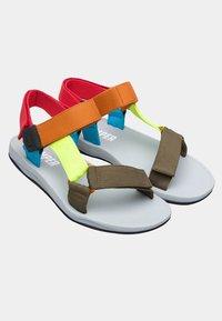 Camper - Sandalias de senderismo - multi-coloured - 2