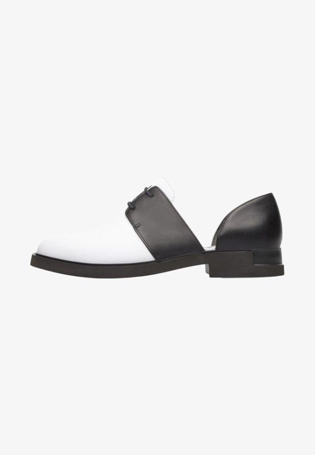 IMAN - Zapatos con cordones - white