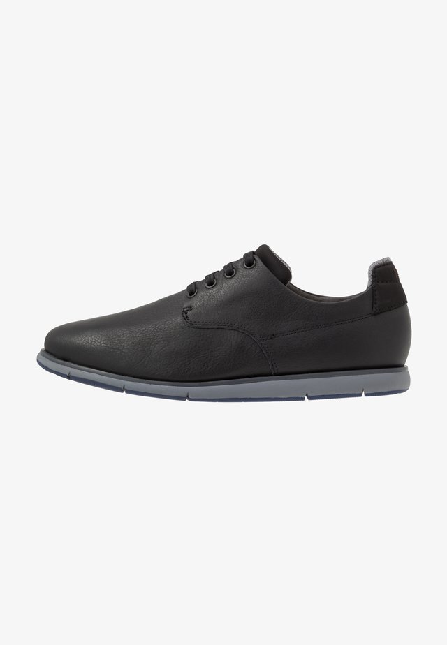 SMITH - Zapatos con cordones - black