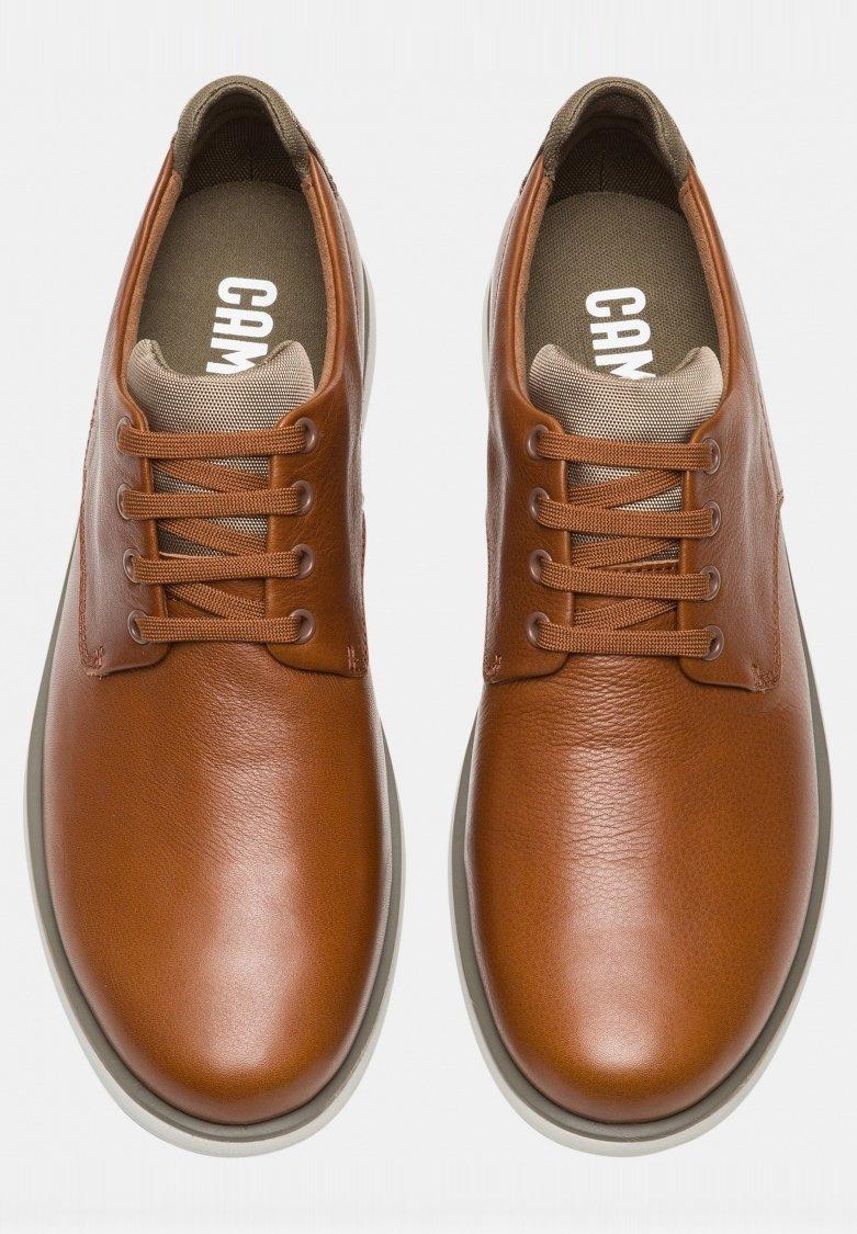 Camper Chaussures À Lacets - Brown