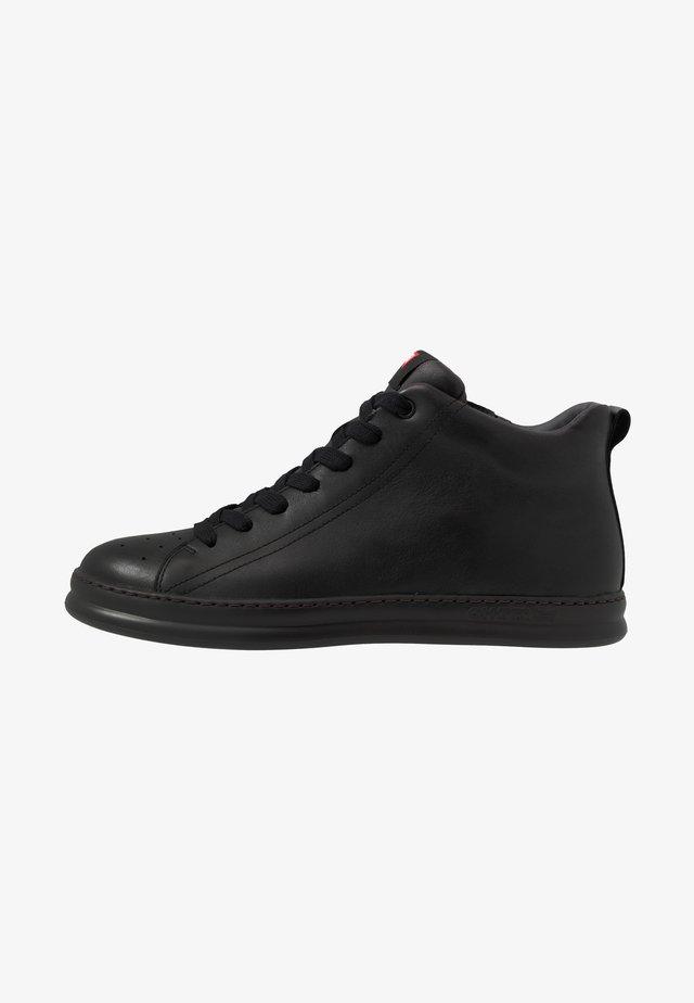 RUNNER FOUR - Höga sneakers - black