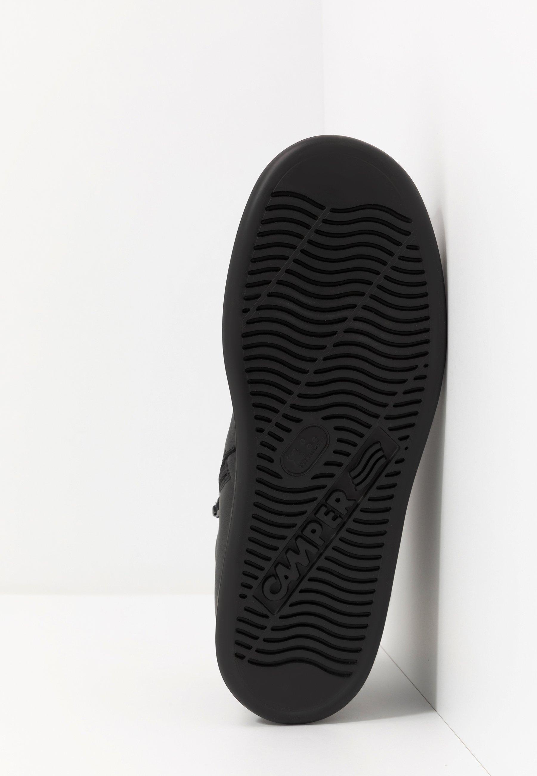 RUNNER FOUR Sneakers hoog black