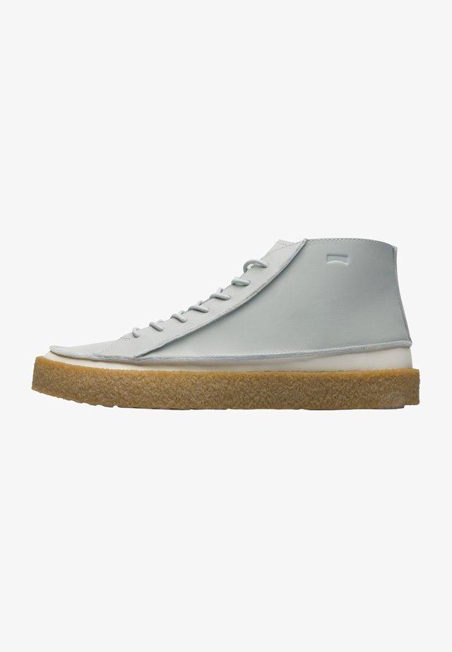 Zapatillas altas - grau