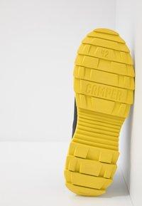 Camper - HELIX - Sneakersy niskie - black - 4