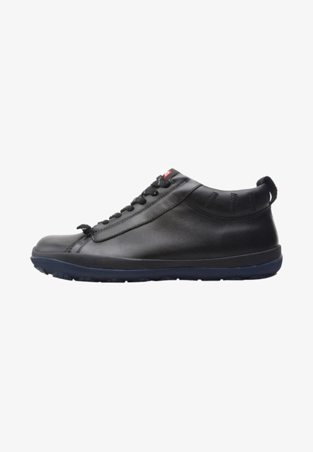 PEU PISTA - Botines con cordones - black
