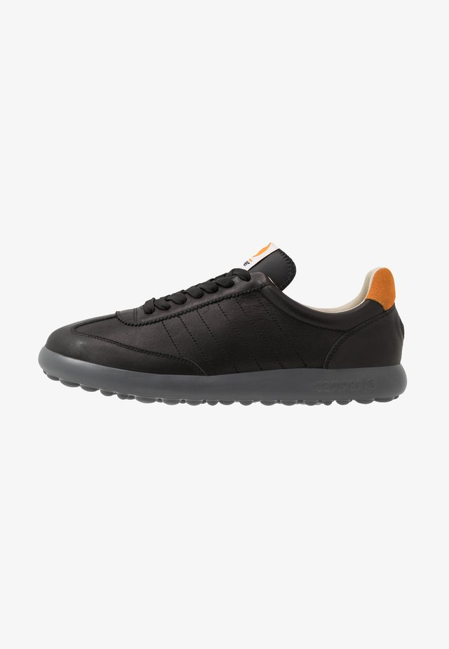 PELOTAS - Zapatillas - black