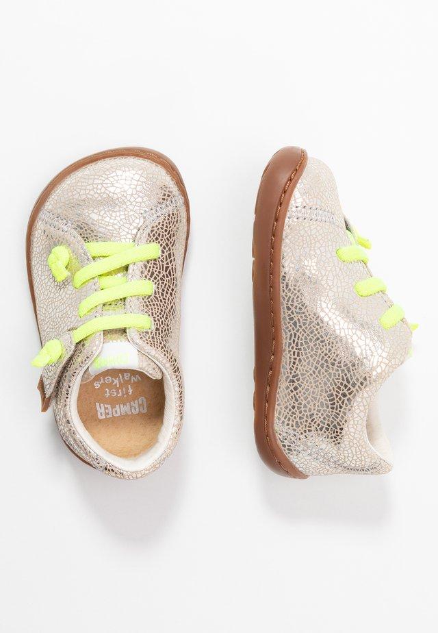 PEU CAMI - Volnočasové šněrovací boty - silver