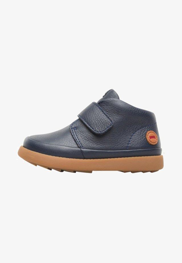 BRYN - Zapatos con cierre adhesivo - blue