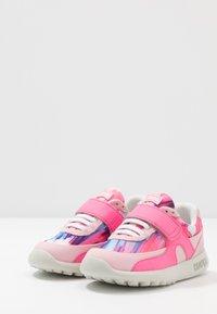 Camper - DRIFTIE KIDS - Trainers - pink - 3