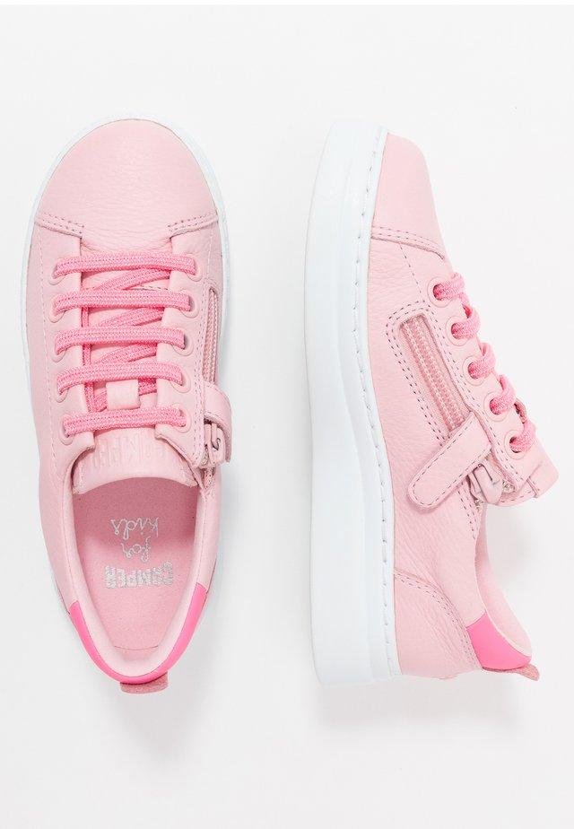 RUNNER UP KIDS - Tenisky - pink