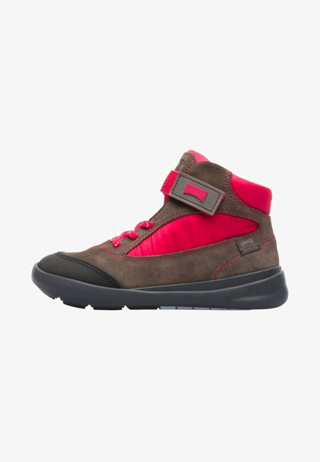 ERGO  - Botines con cordones - brown/red