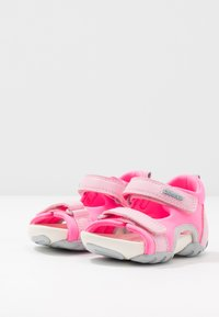 Camper - OUS - Zapatos de bebé - pink - 3