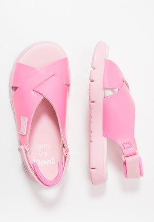 ORUGA KIDS - Sandały - pink
