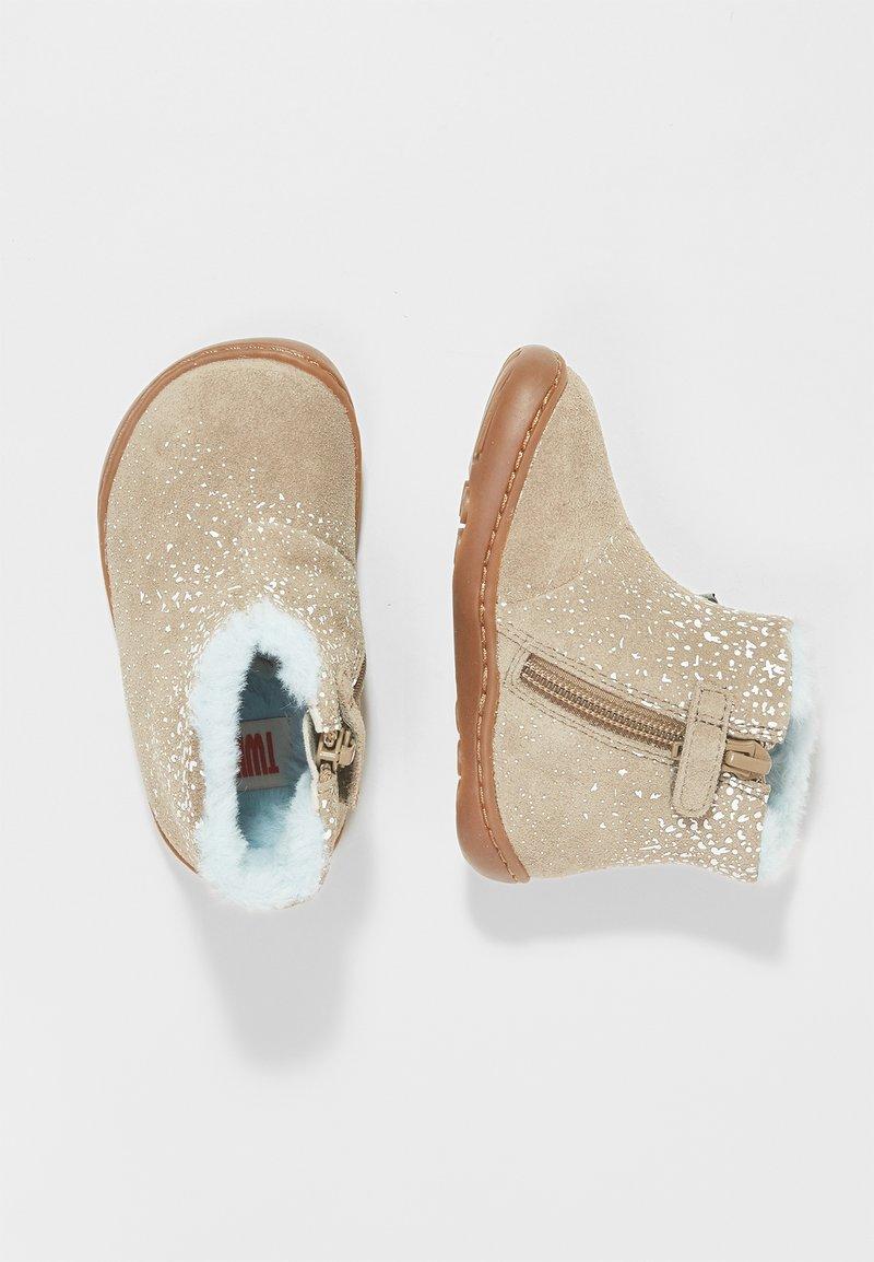 Camper - Zapatos de bebé - grey/white