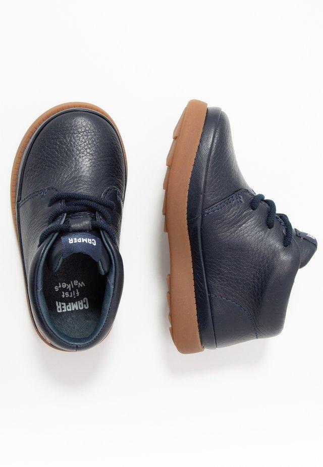 BRYN - Dětské boty - navy