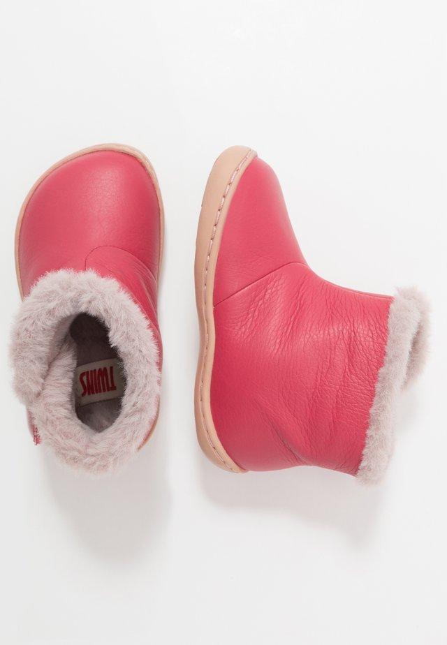 PEU CAMI - Botines - medium pink