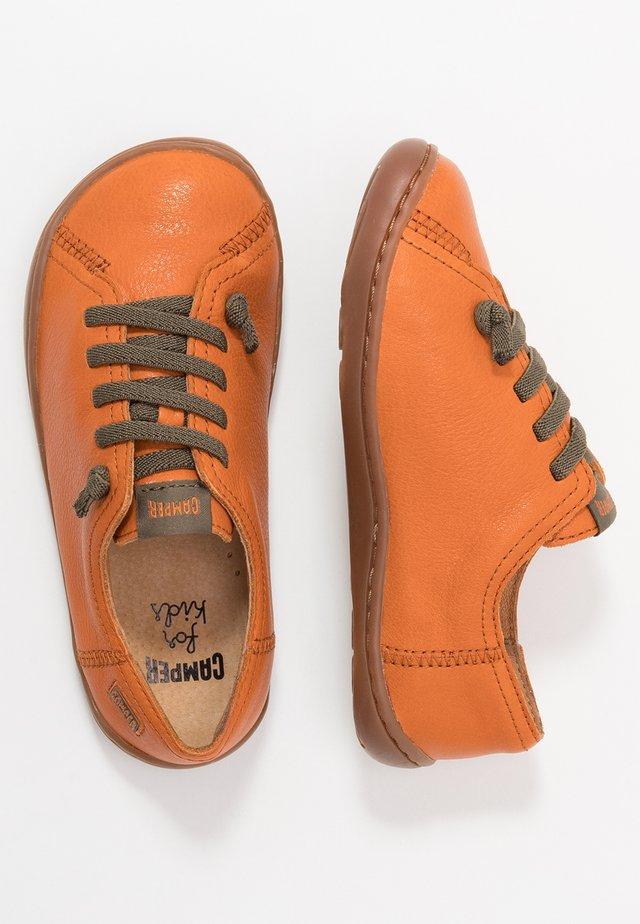 PEU CAMI KIDS - Zapatos con cordones - tan