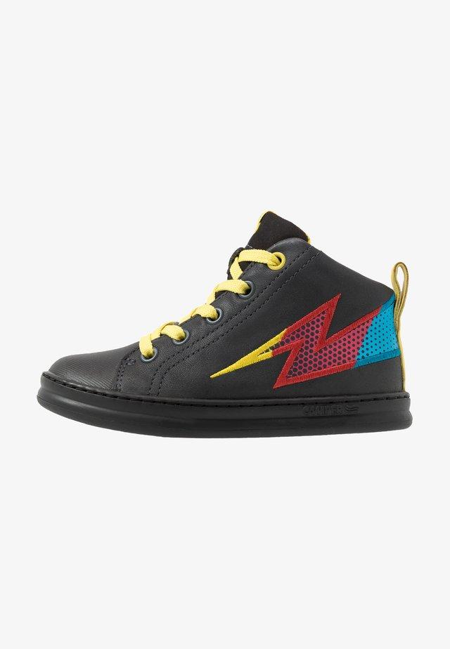 RUNNER FOUR KIDS - Sneakers hoog - black