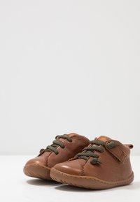 Camper - PEU CAMI - Dětské boty - tan - 3