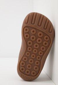 Camper - PEU CAMI - Dětské boty - tan - 5