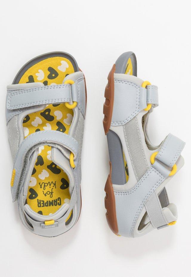 OUS KIDS - Chodecké sandály - light grey