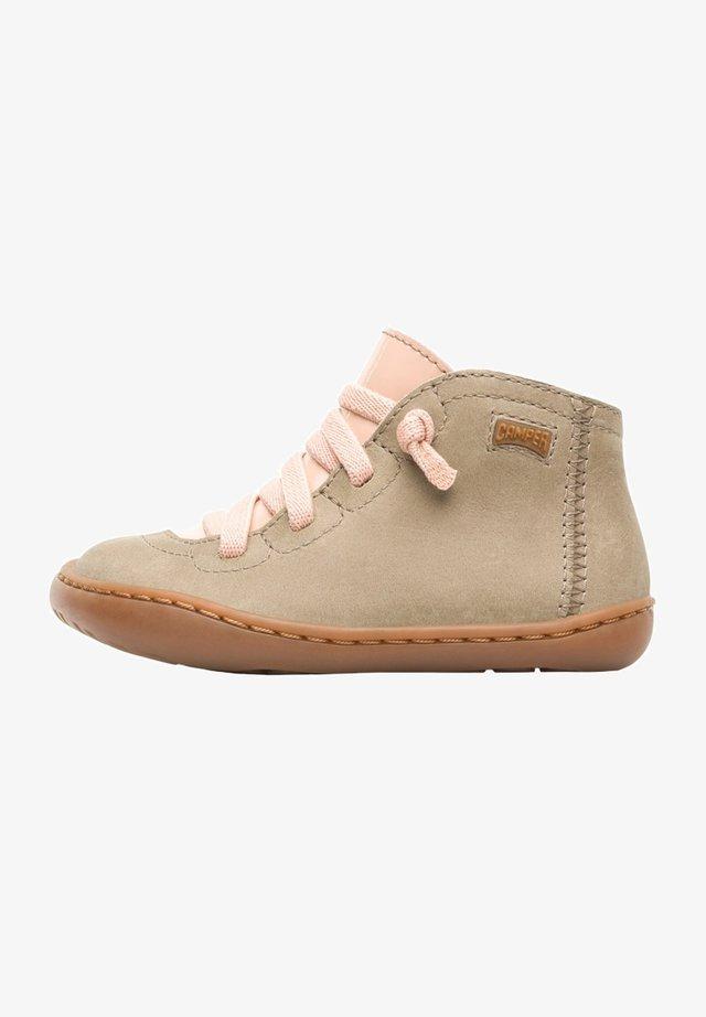 PEU CAMI  - Zapatos de bebé - beige