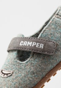 Camper - TWS KIDS - Slippers - grey - 2