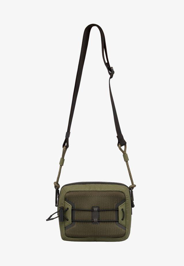 LAVA - Across body bag - green