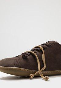 Camper - PEU CAMI  - Chaussures à lacets - braun - 5