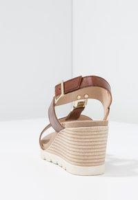 Caprice - Wedge sandals - cognac - 5