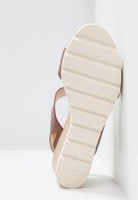 Caprice - Wedge sandals - cognac - 6