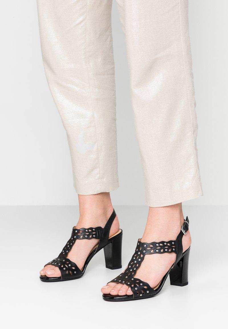 Caprice - Højhælede sandaletter / Højhælede sandaler - black