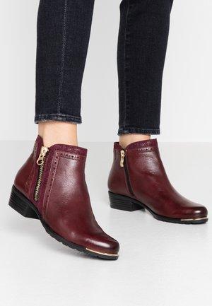 BOOTS - Støvletter - bordeaux