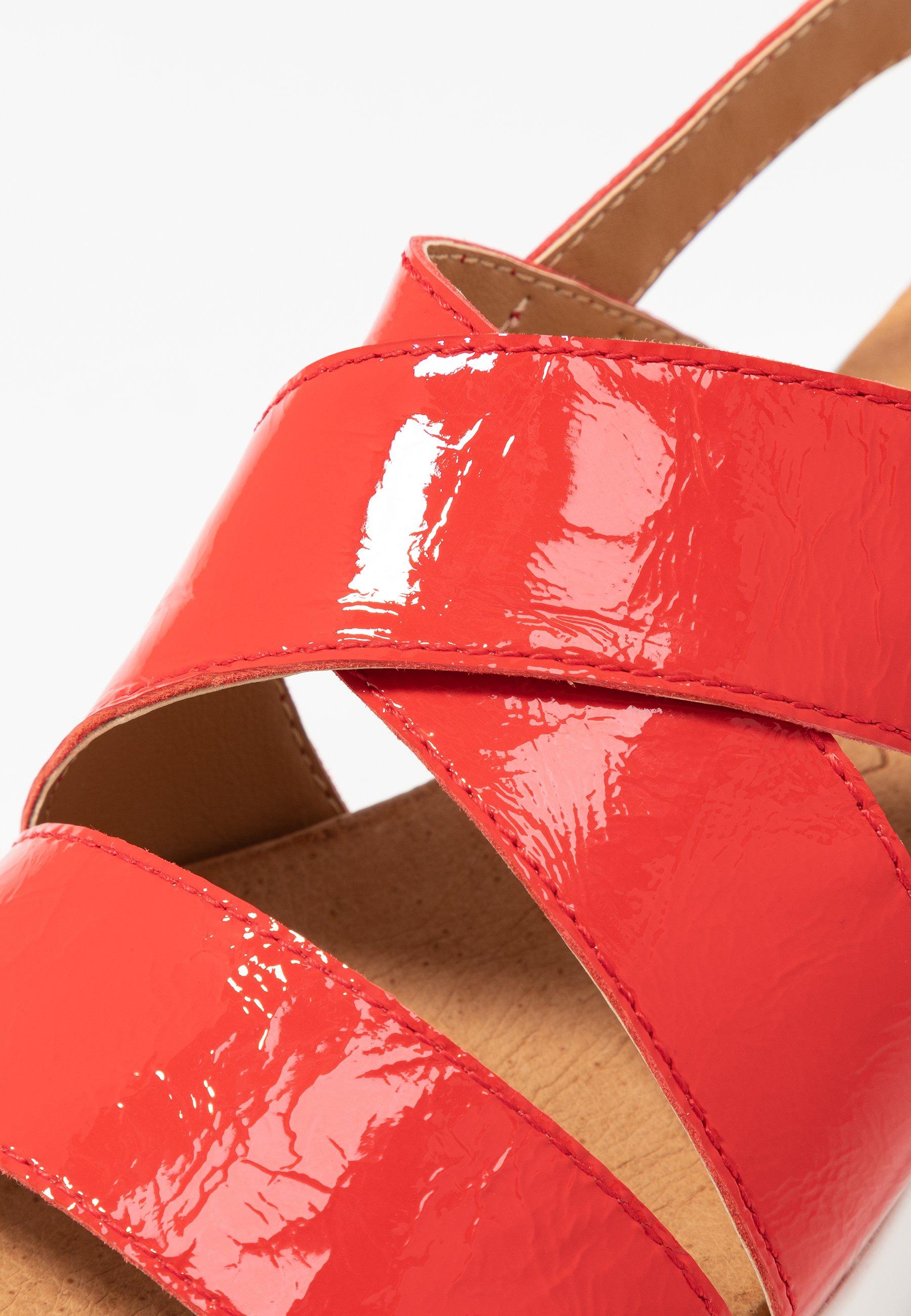 Caprice Sandały na koturnie - chili