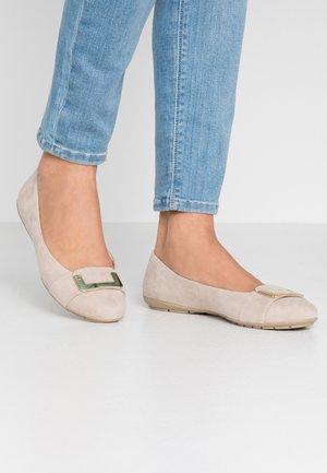 Ballet pumps - sand