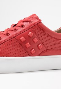 Caprice - Sneakers laag - red - 2
