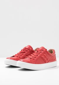 Caprice - Sneakers laag - red - 4