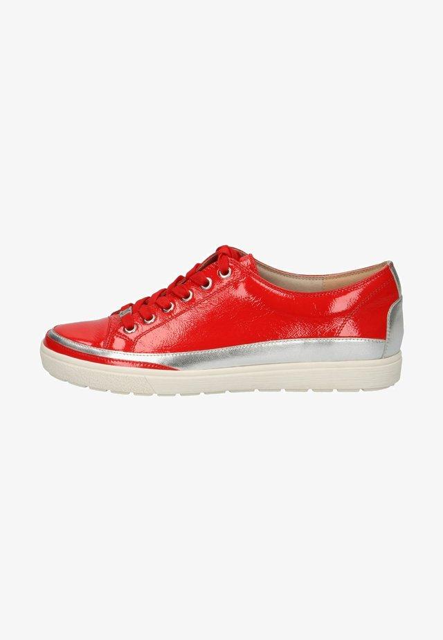 Sneakers - chili naplak