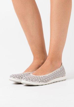 Ballet pumps - white perlato