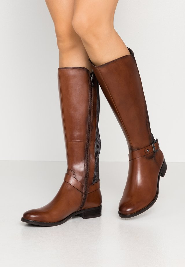 BOOTS - Støvler - cognac