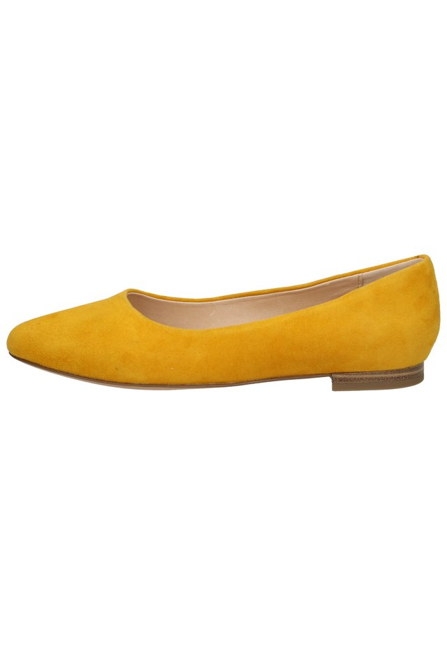 Ballet pumps - yellow suede