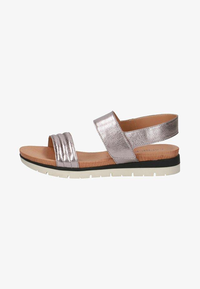 Sandals - soft pink met