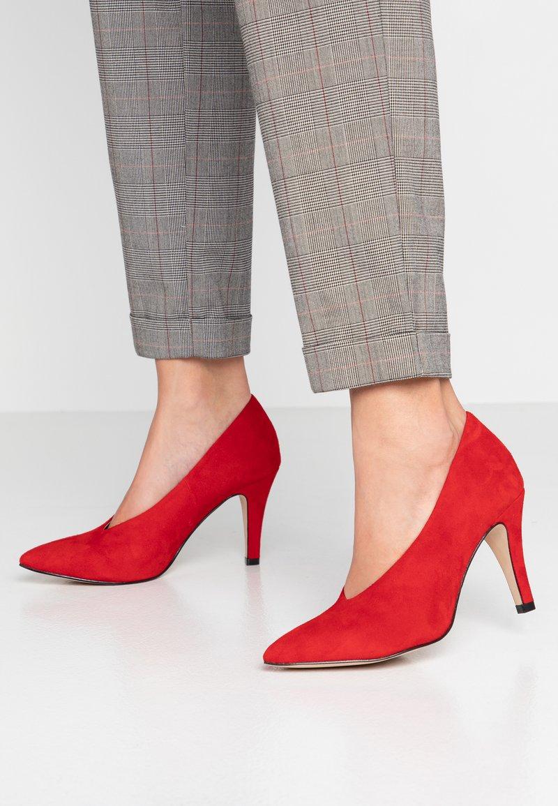 Caprice - Classic heels - red
